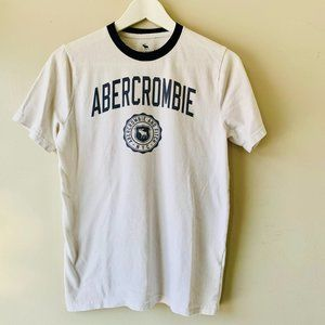 ABERCROMBIE KIDS white and navy t-shirt size 15/16
